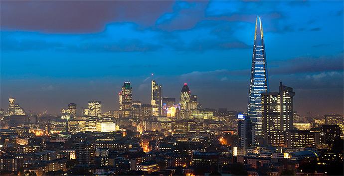The Shard (Дъ Шард) през нощта