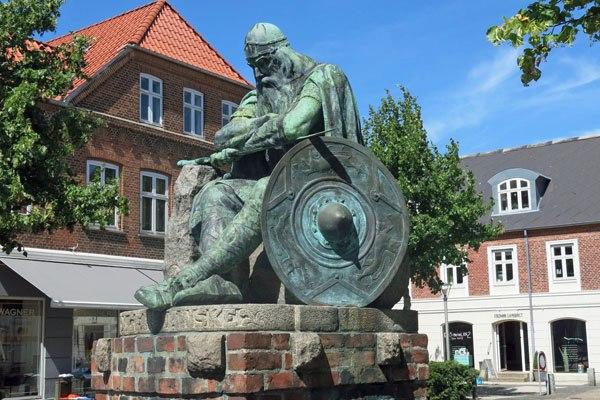 Холгер Данске – призрачният герой защитник на Дания