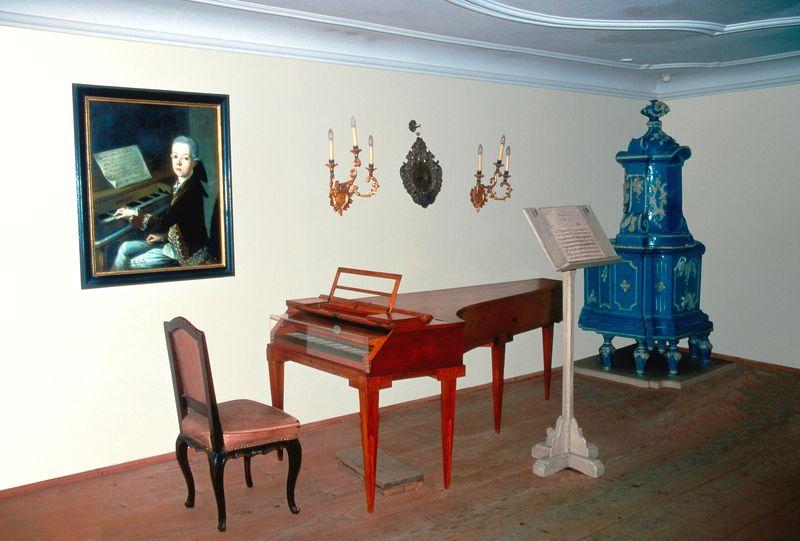 Една от стаите в жилището на семейство Моцарт