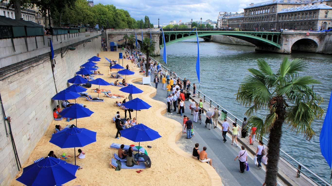 Плажът на р. Сена - истинска лятна атракция