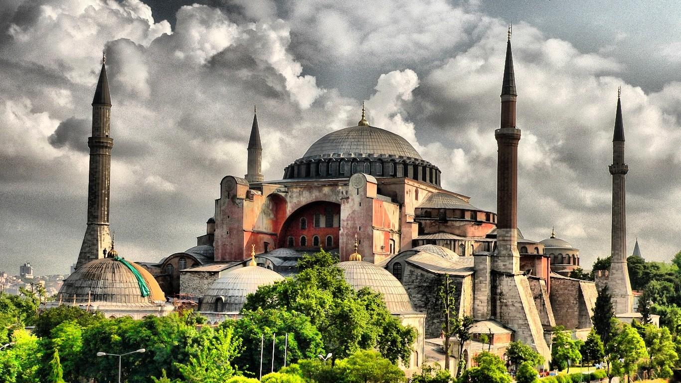 Света София – архитекрурното чудо на Константинопол