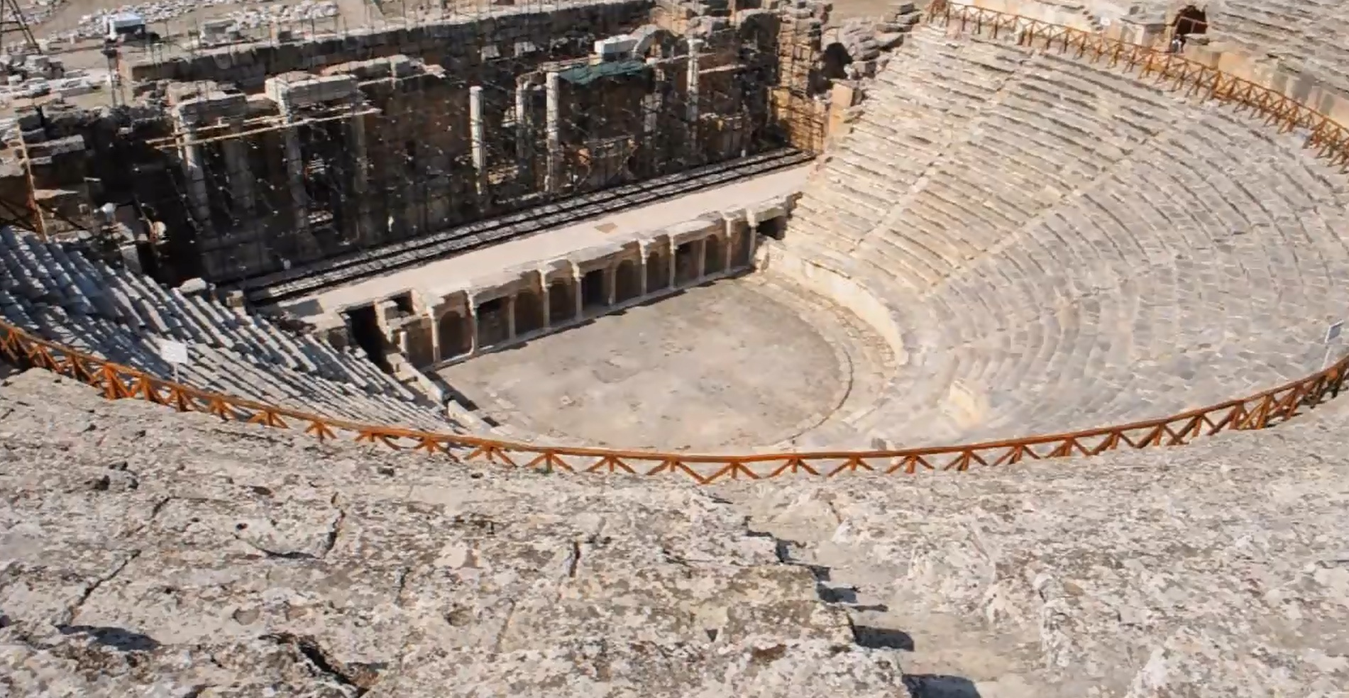 Roman-Amphitheatre-Hierapolis-pamukkale-Turkey