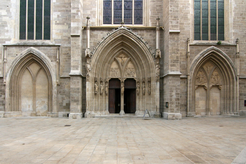 Gotische_Portale_der_Minoritenkirche_Wien