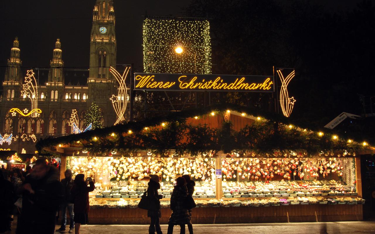 Коледните базари  във Виена – едно незабравимо изживяване