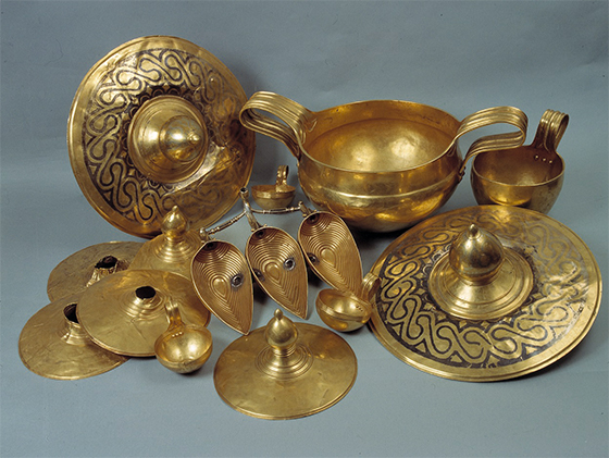 Вълчитрънското златно съкровище