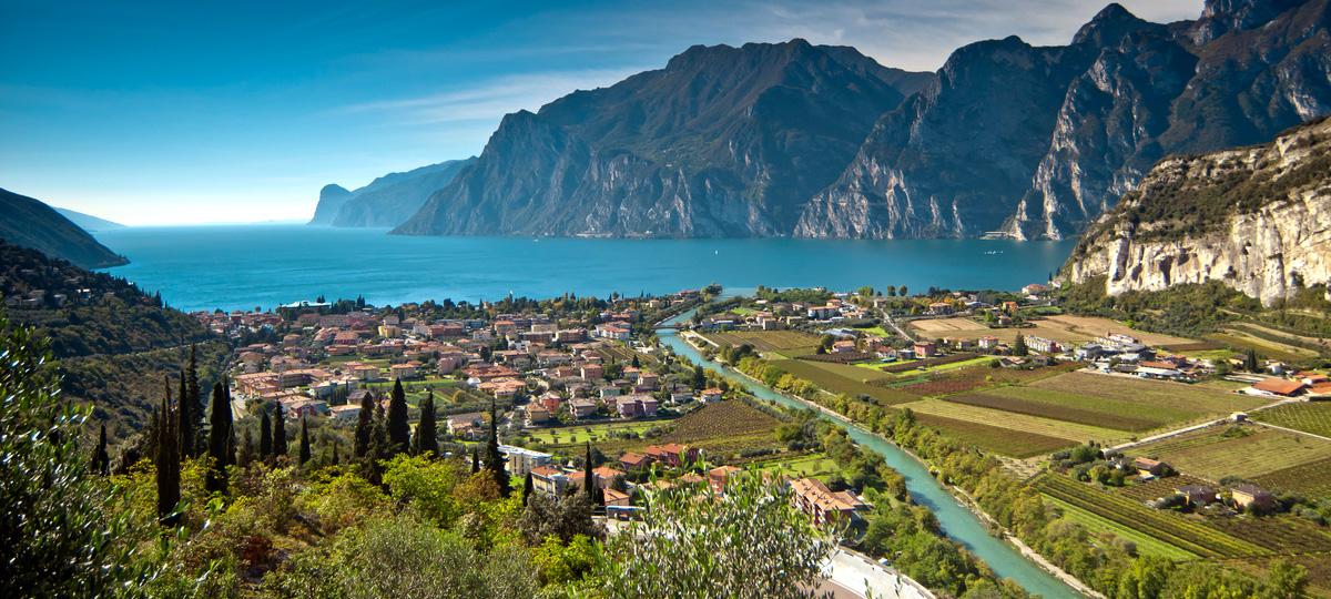 Torbole_Lago_di_Garda.jpg
