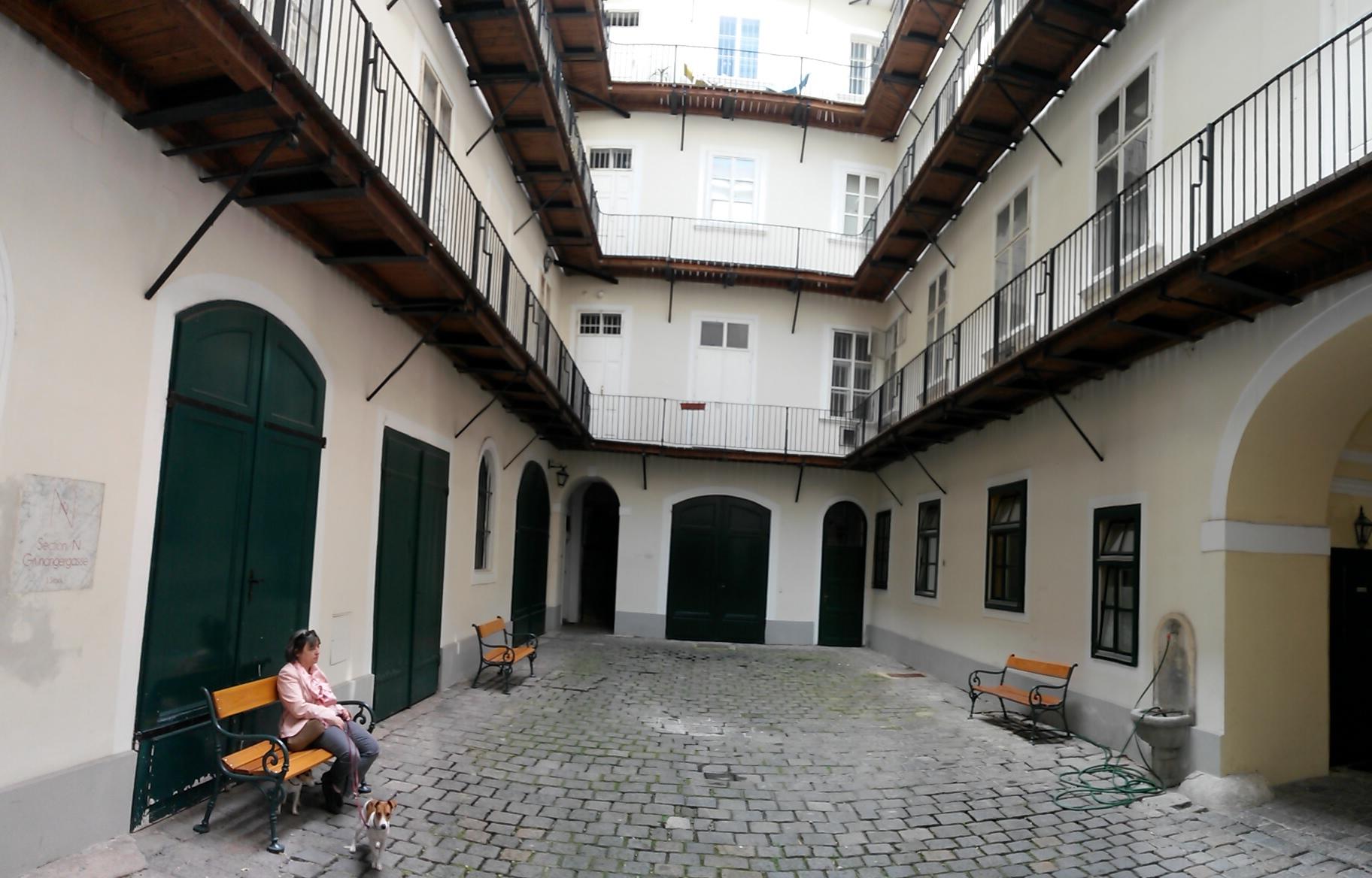 Виена – от шумните улици към тихите вътрешни дворове 4