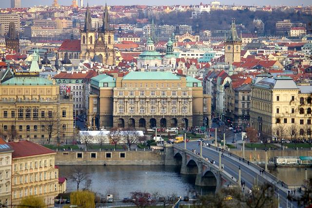 Карловият университет в Прага – най-старият университет в ...