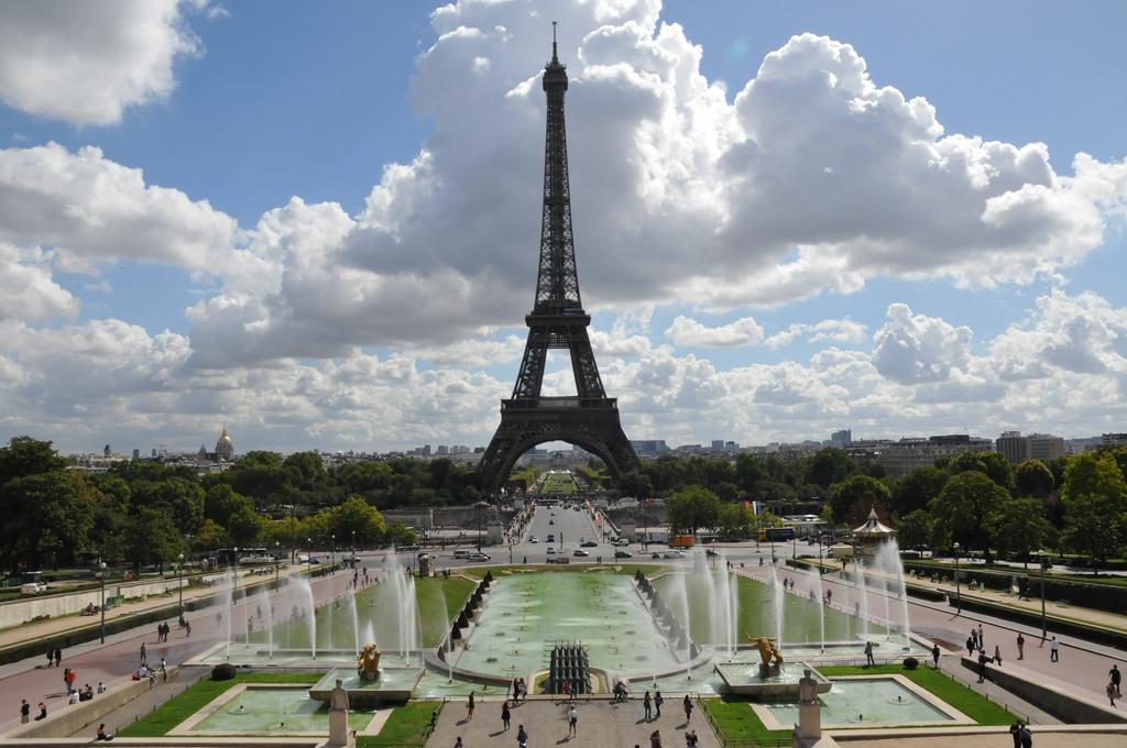 Айфеловата кула – символът на Париж