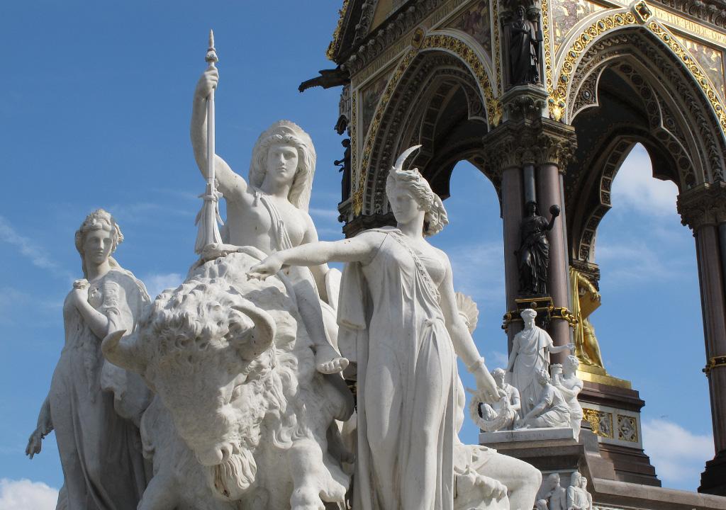 Allegorical sculptures, America group, Albert Memorial, London 3917