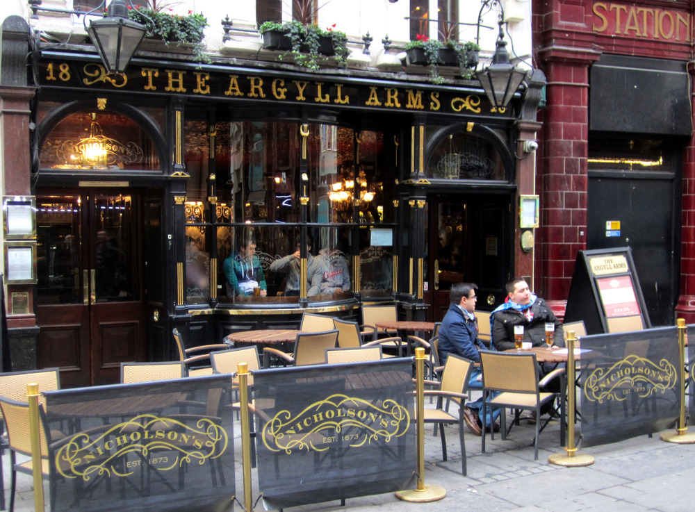 argyll-arms-eat-drink-bars-pubs-large