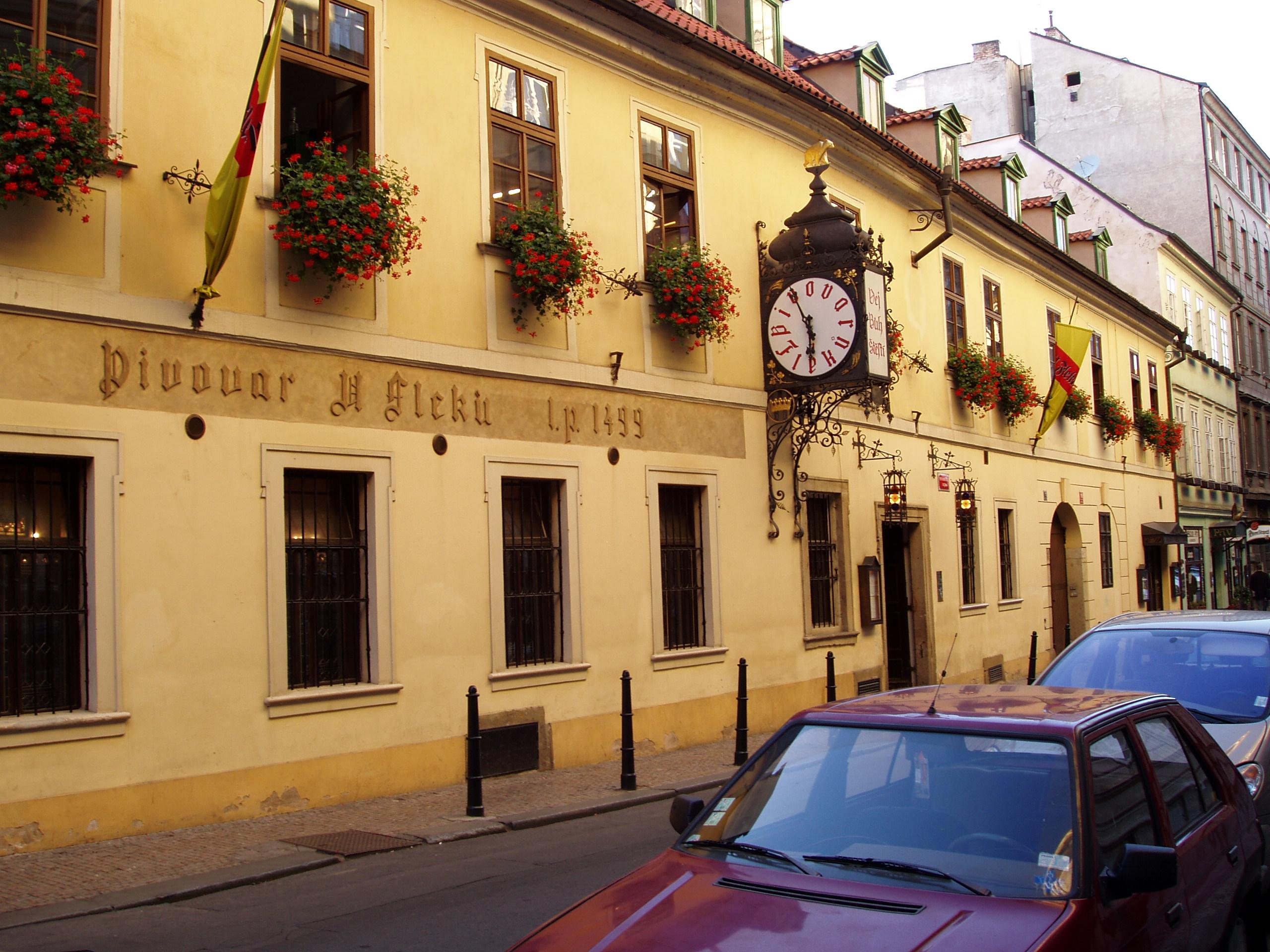 Praha_2005-09-19_U_Fleku-00.jpg