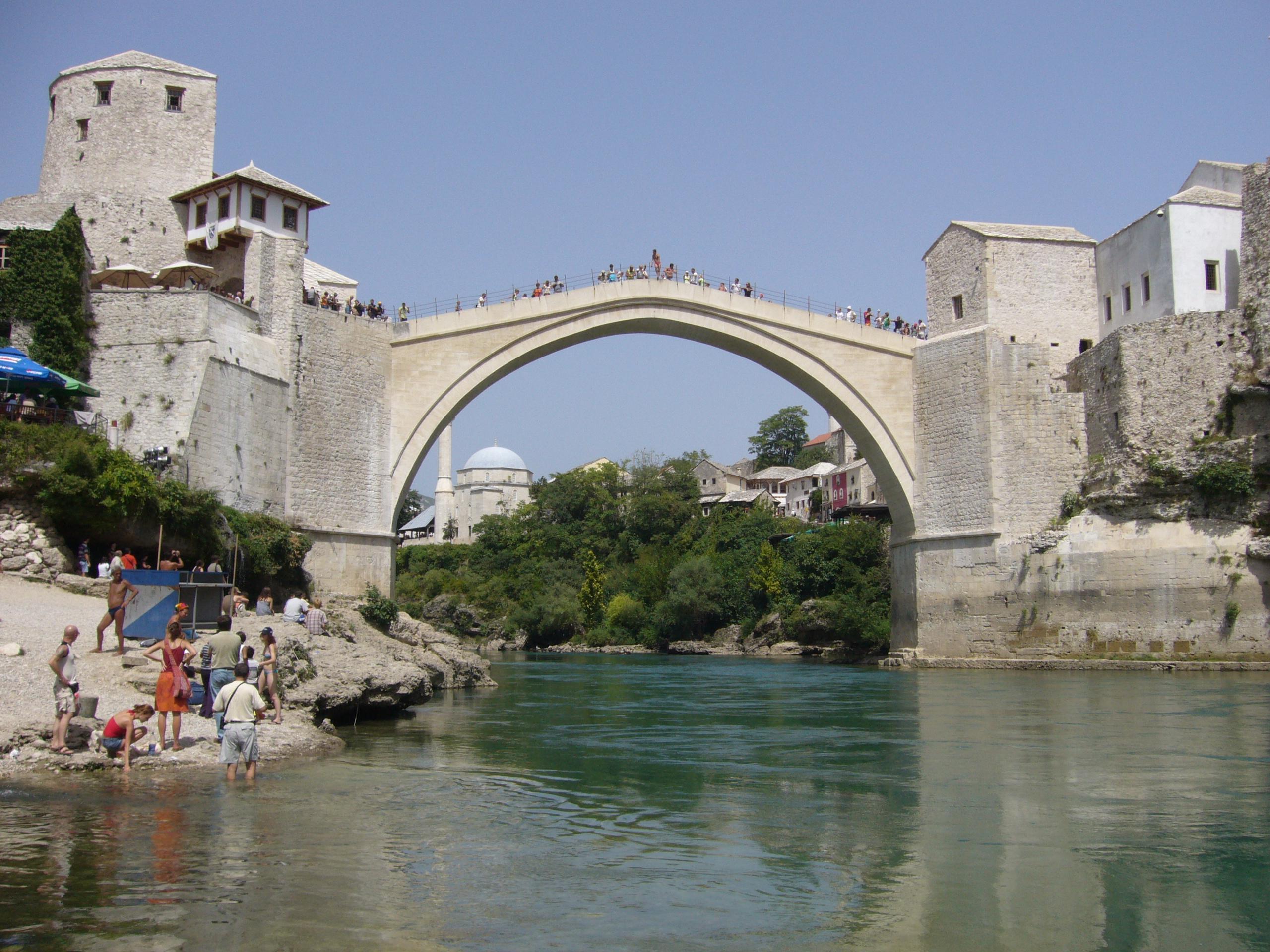 Старият мост над Неретва – символ на Херцеговина