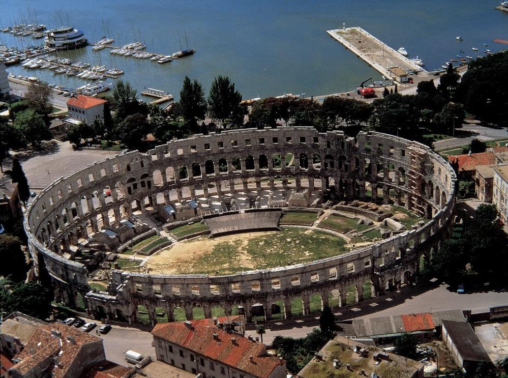 Амфитеатърът в Пула – най-добре запазеният монумент от античността в Хърватия
