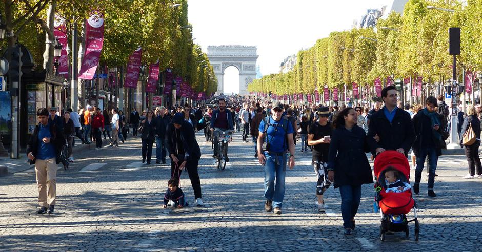 Един ден в месеца Шан-з-Елизе ще бъде пешеходна зона