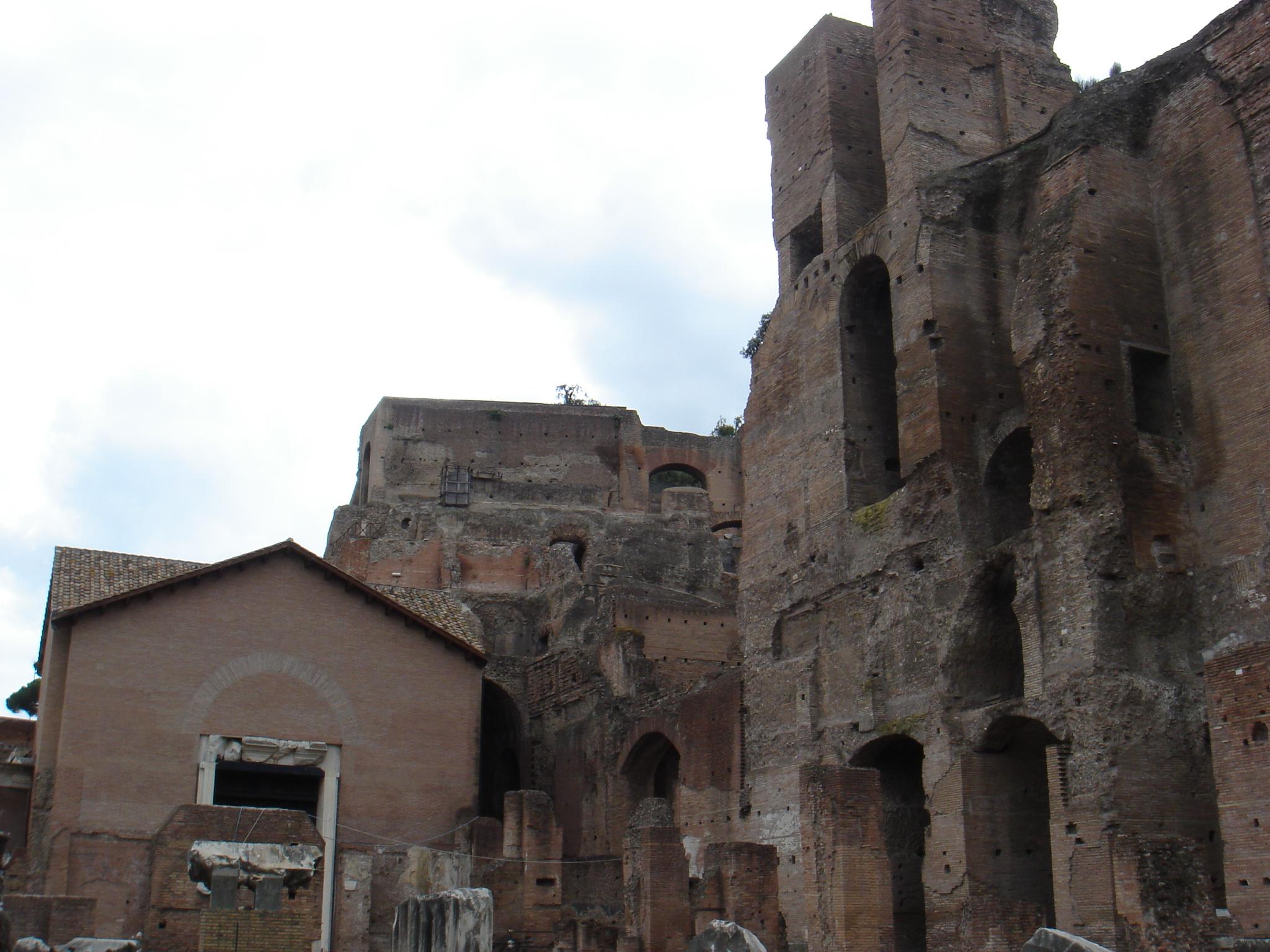 Foro_romano_-_santa_Maria_Antiqua_00754