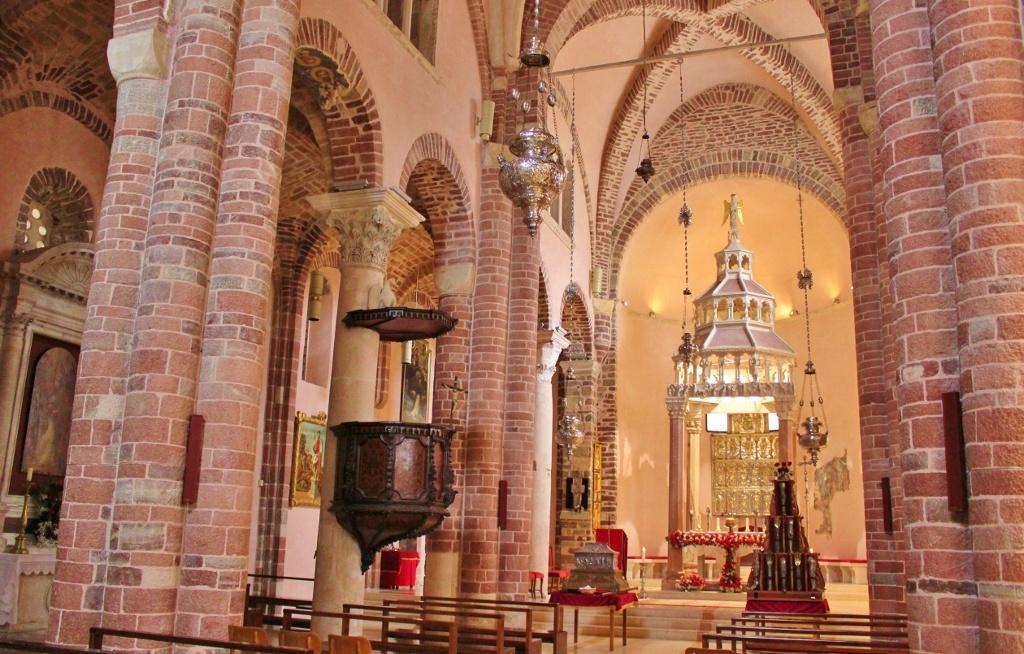 St. Trifon inside