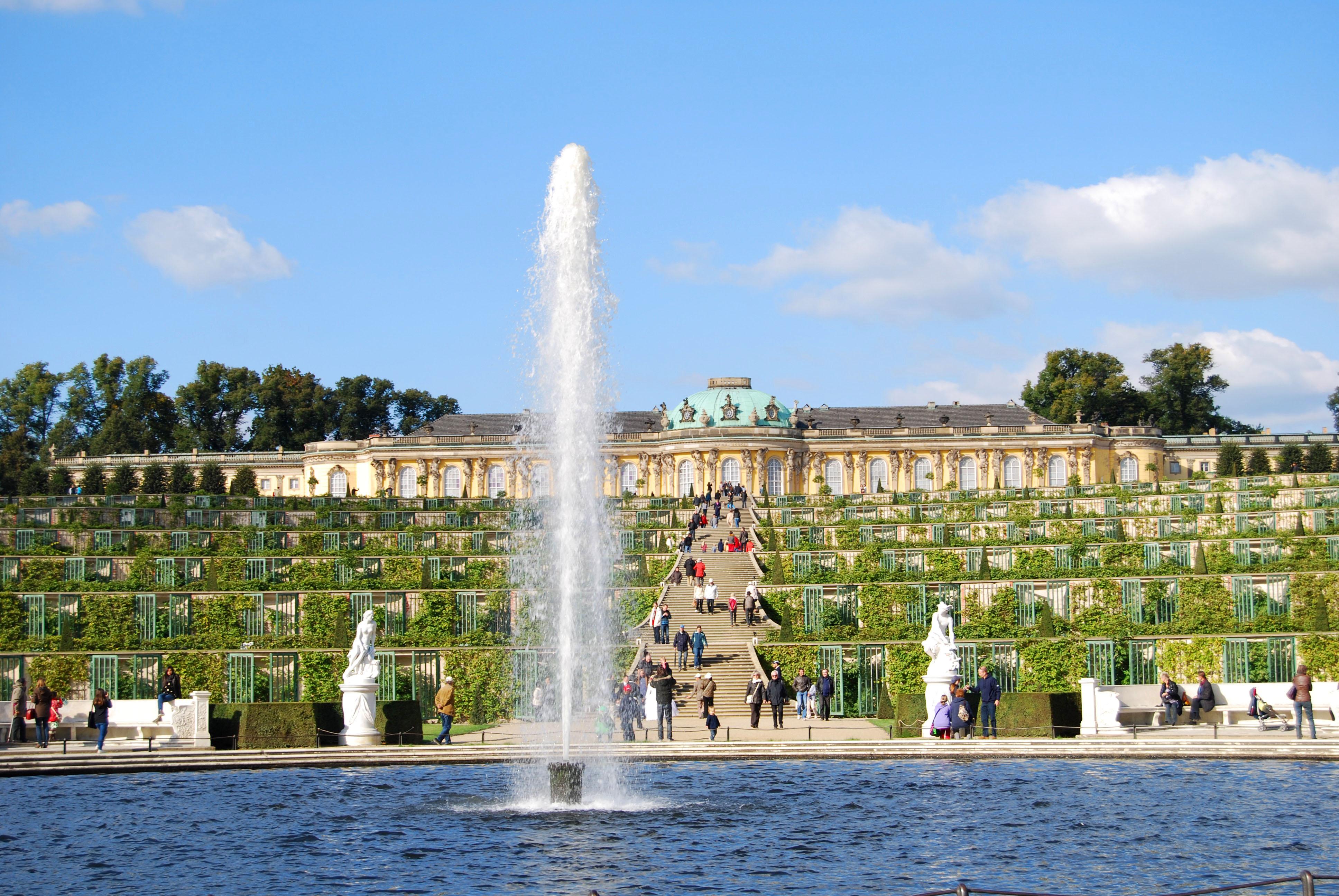 virginia-duran-blog-beautiful-berlin-photography-sanssouci-palace-by-georg-wenzeslaus-von-knobelsdorff