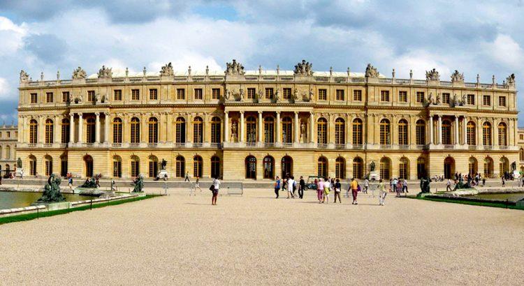 Версай – дворецът, съграден от любов