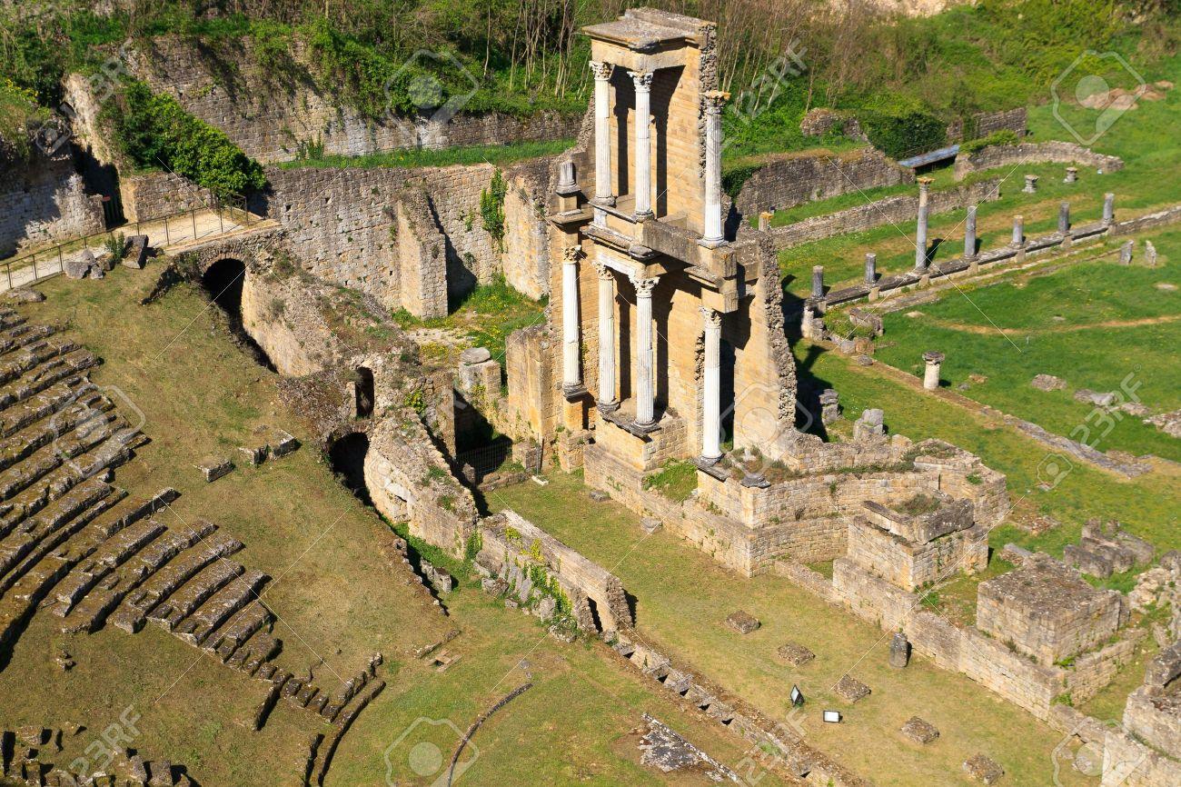 9569859-Remains-of-Roman-Amphitheatre-in-Volterra-Tuscany-Italy-Stock-Photo