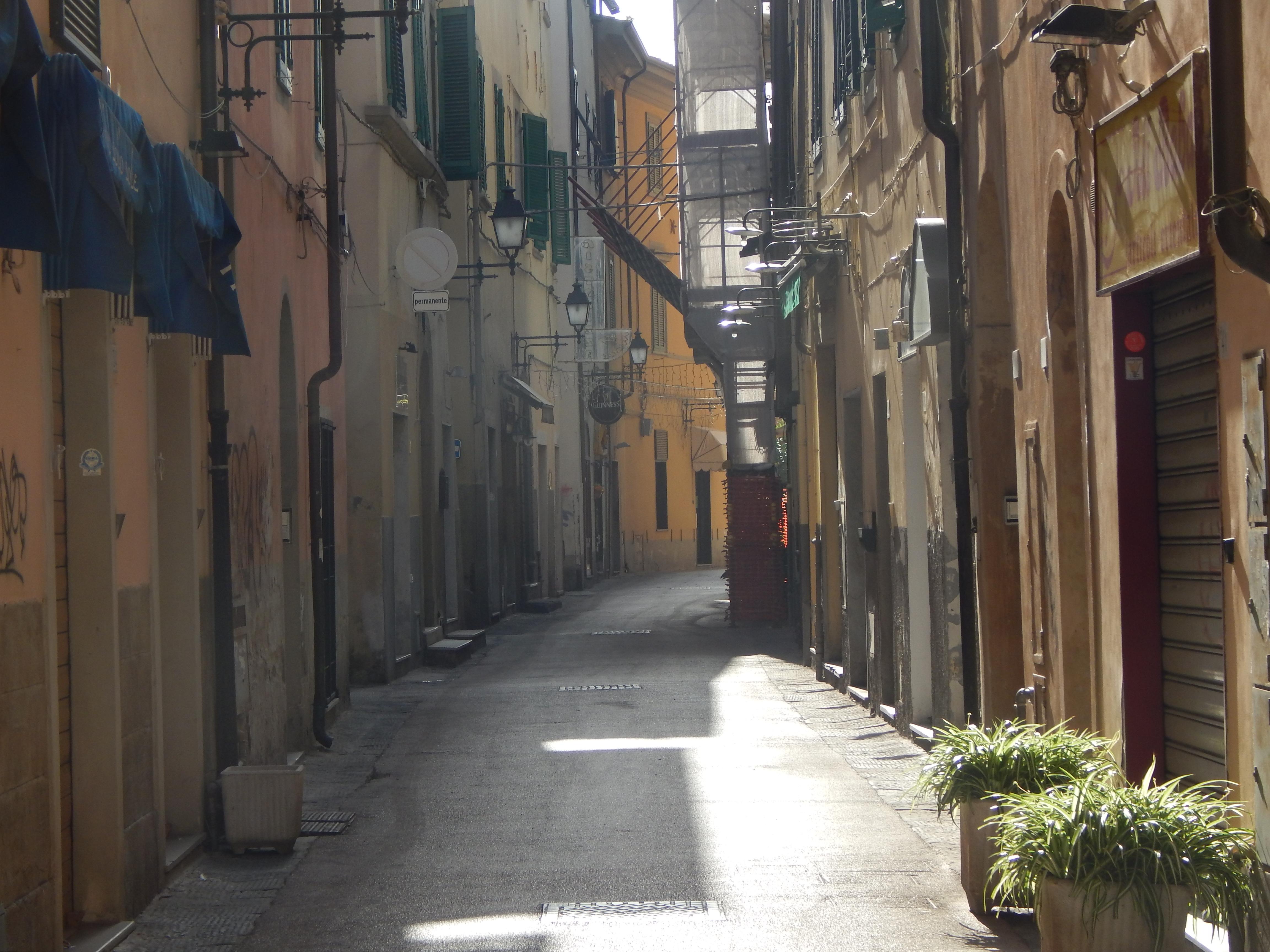 pisa-sidestreet-1