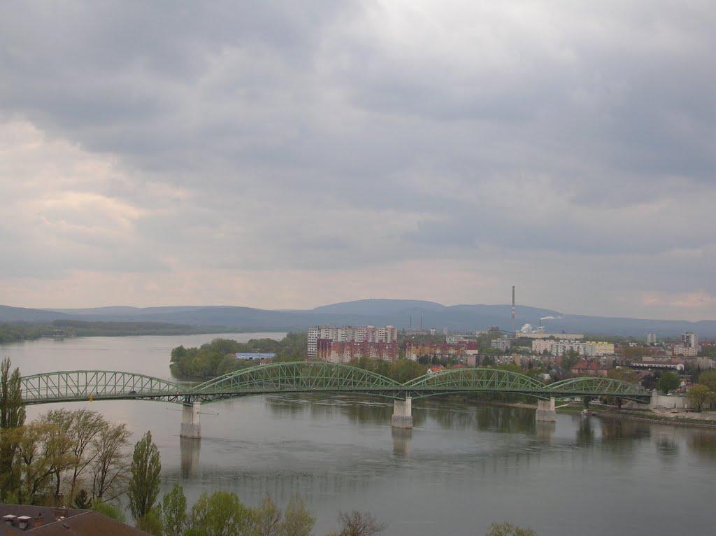 bridge to Slovakia