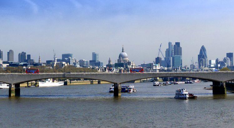 Мостът Ватерло – една от най-прекрасните гледки по Темза