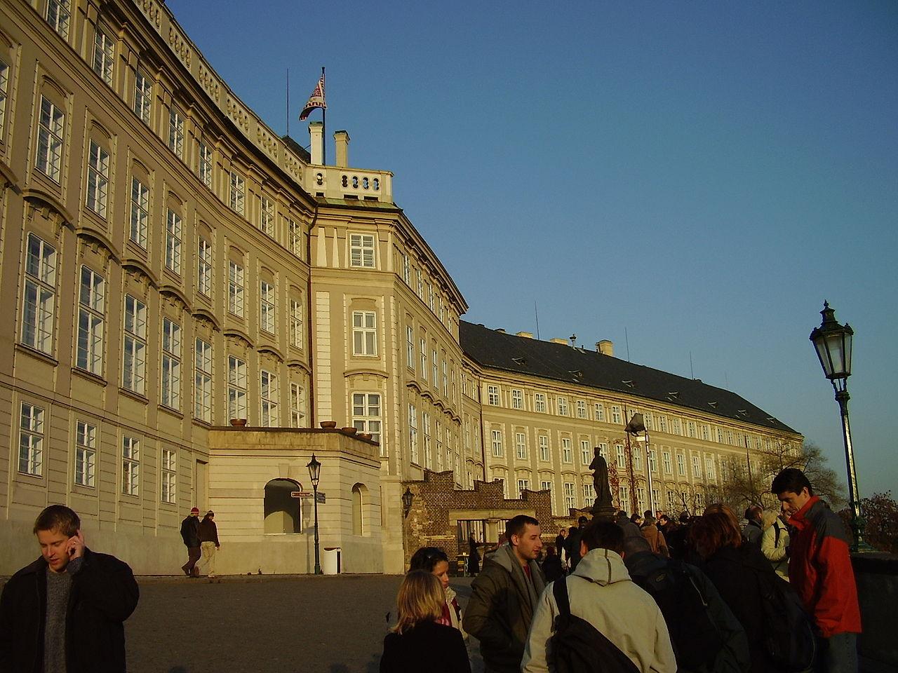 1280px-prague-2006-11-077-royal-palace