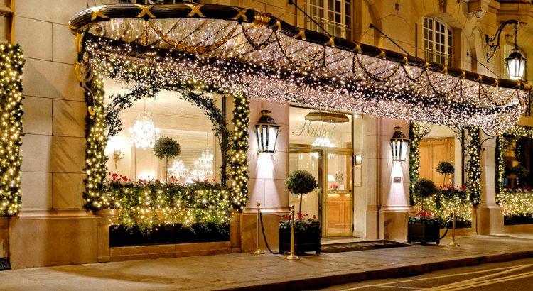 """Хотел """"Бристол"""" – един от пристаните на удобството и лукса в Париж"""