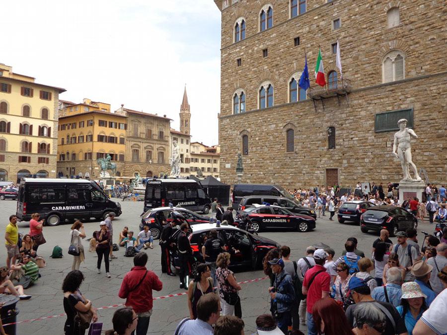 """Снимка от заснемането на филма """"Ад"""" във Флоренция"""