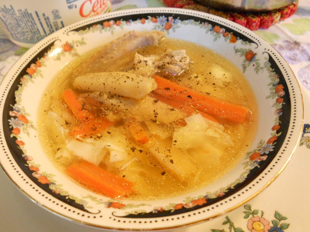 Традиционна пилешка супа
