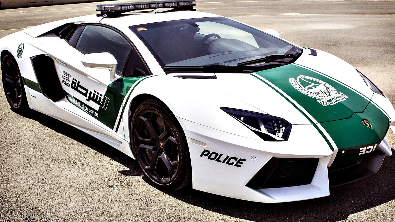 Полицейска кола в Дубай