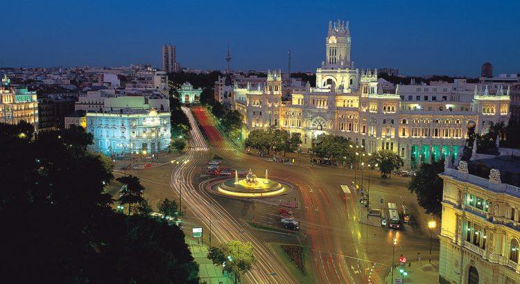 """Площад """"Ла Сибелес"""" – иконата на Мадрид"""