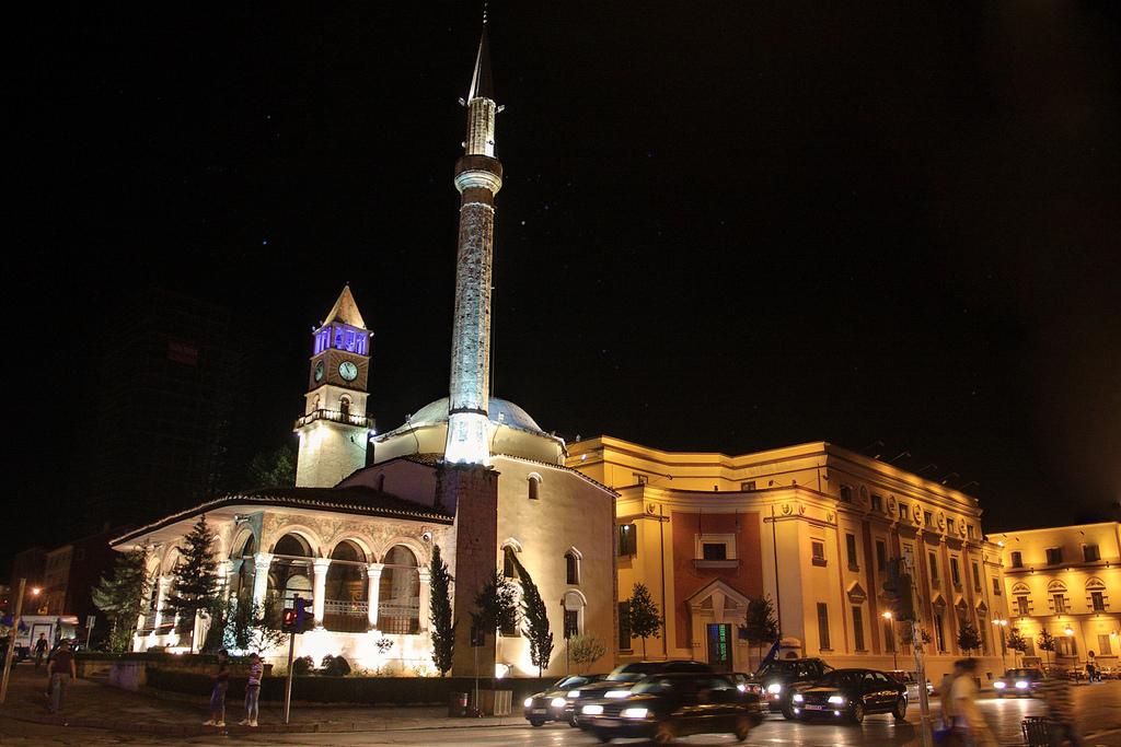 Джамия Етем Бей