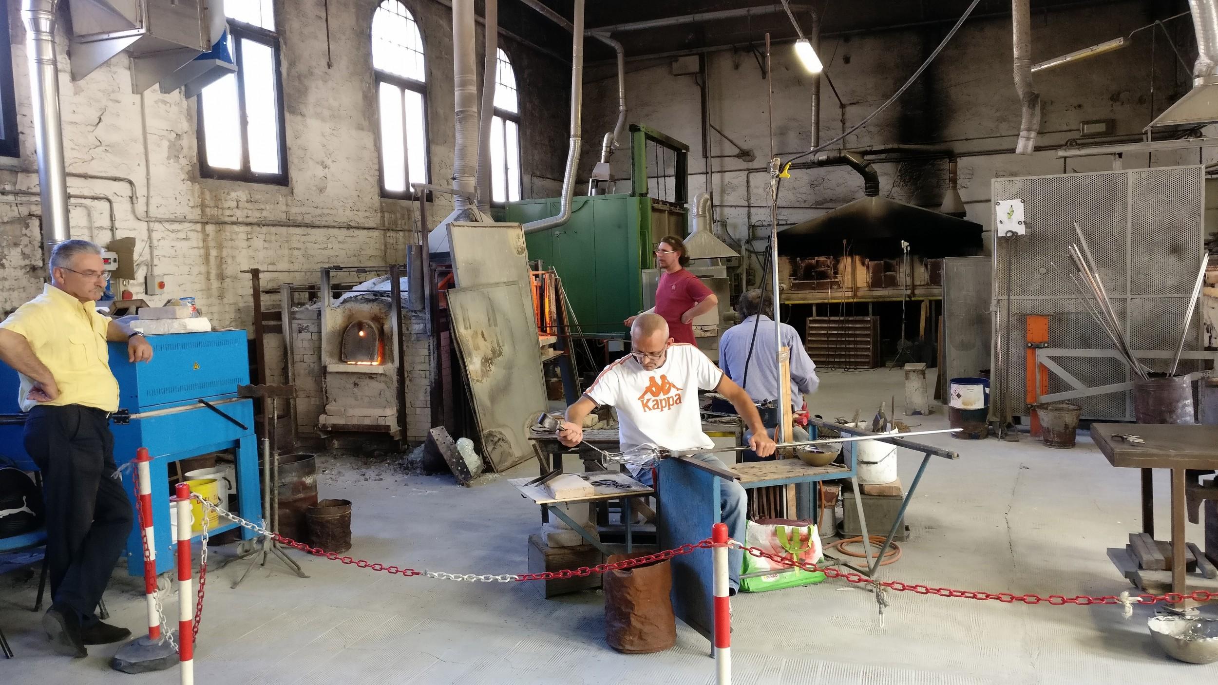 Boattrip-to-Murano-Island-Venice-Italy-49 workshop