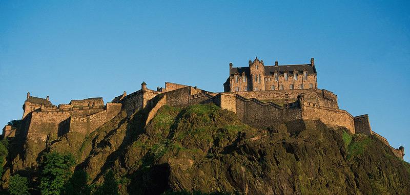 Замък Единбург