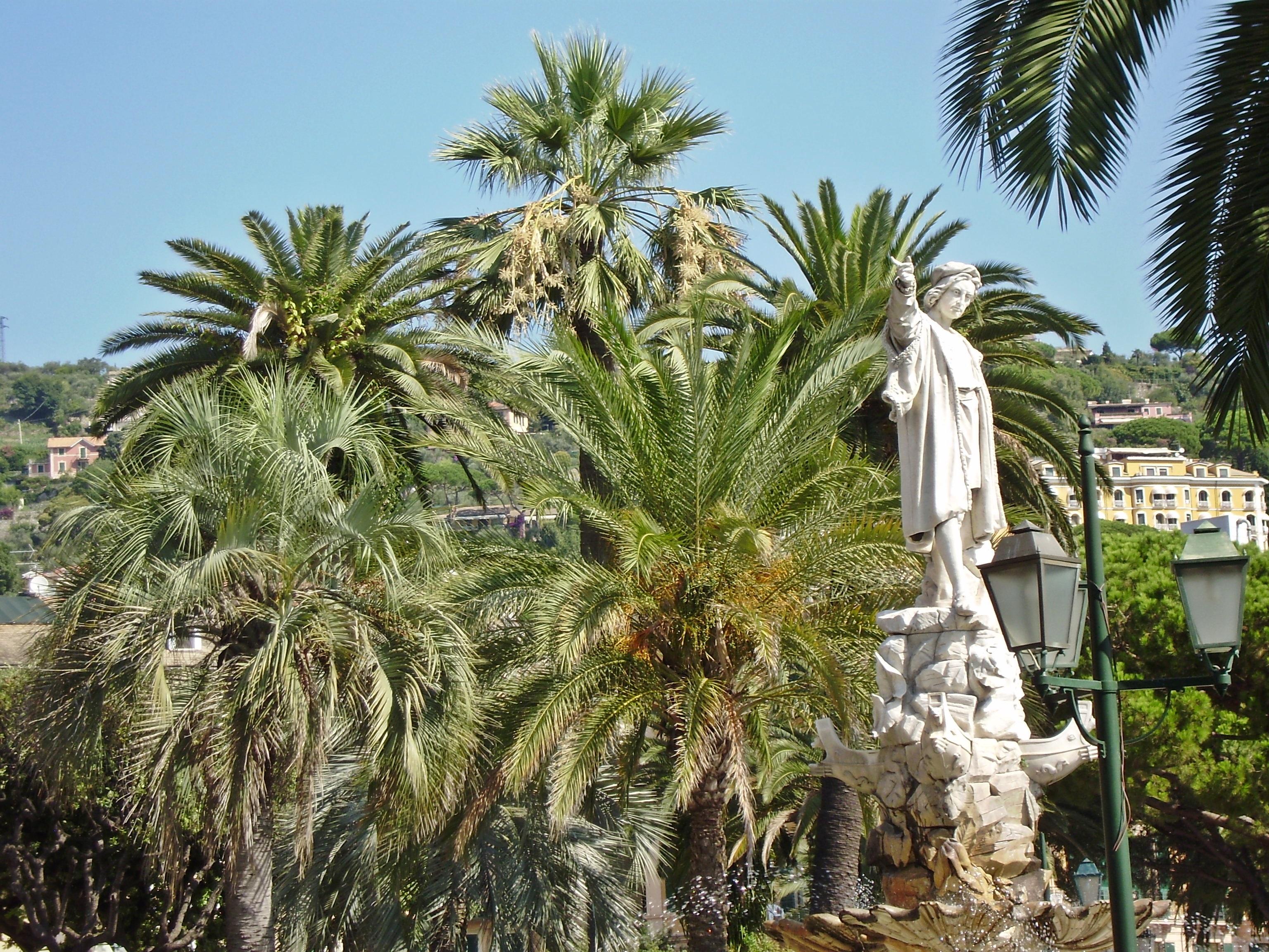 Статуя Христофор Колумб