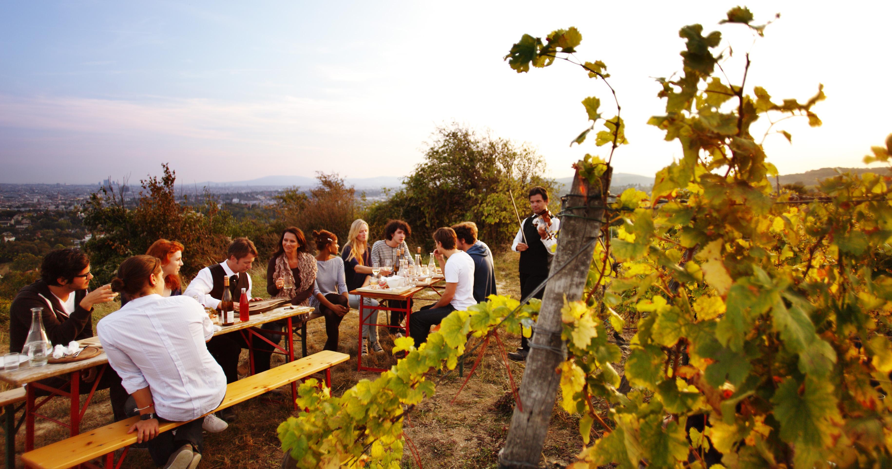 Кръщаване на младото вино
