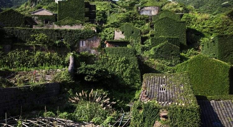 Изоставено рибарско село – зелена приказка, сътворена от природата
