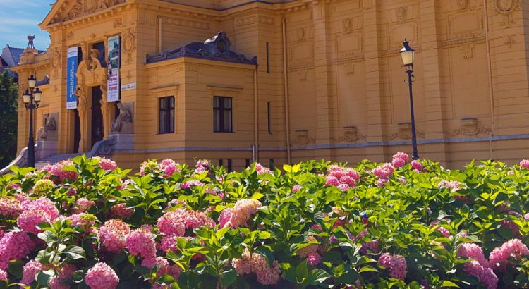 Катедралата в Загреб – пищна и красива