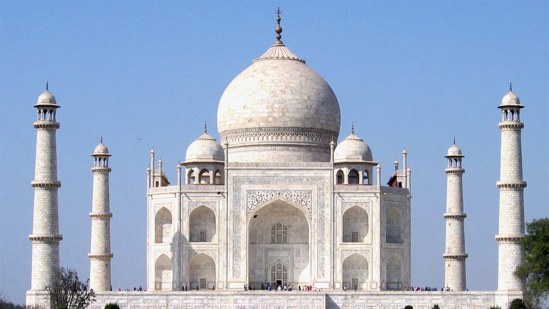 _Taj_Mahal_day light