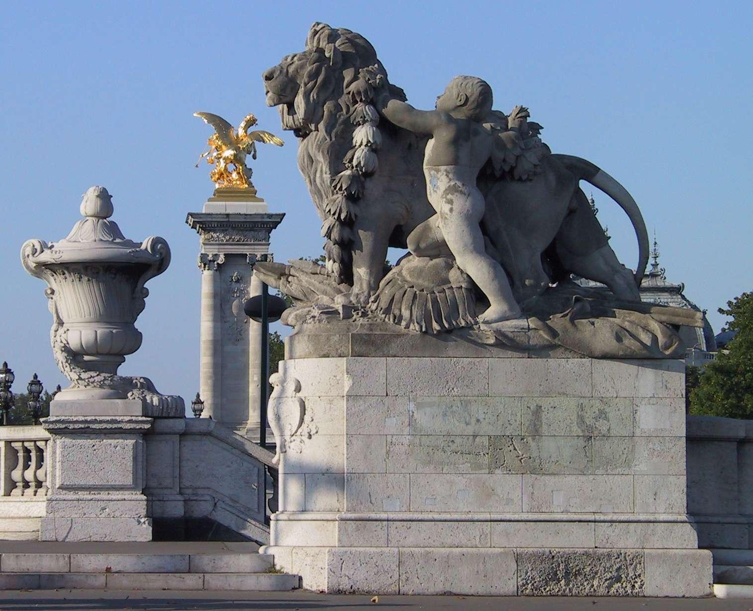 Скулптура на деца с лъвове