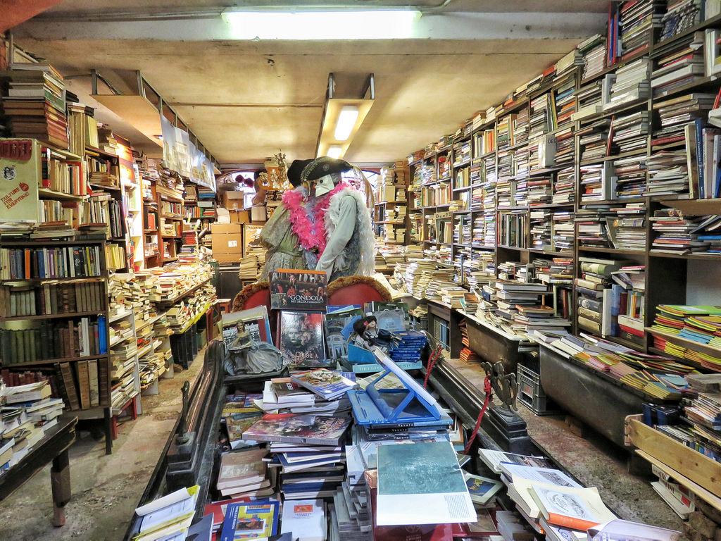 Плаващата книжарница на Венеция 2