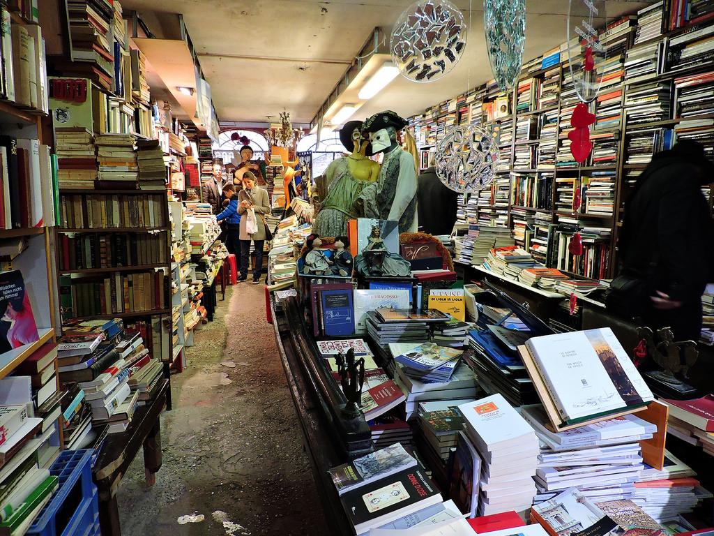 Плаващата книжарница на Венеция 4