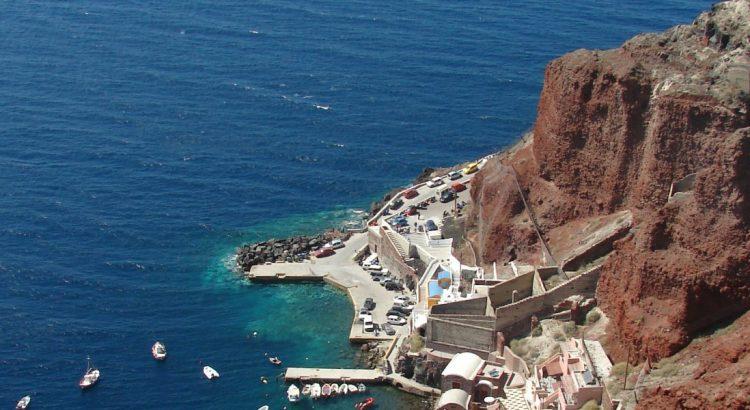Тюркоазеният остров Санторини – 10 причини да го посетите
