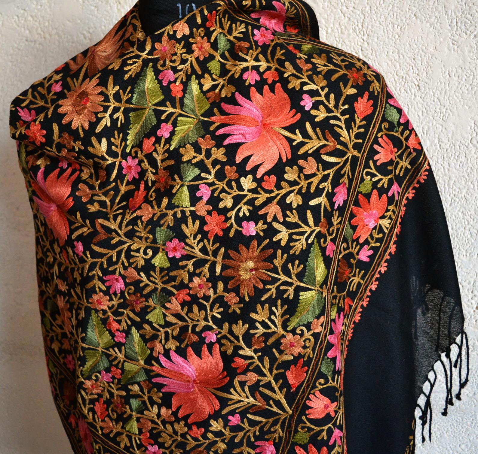 embroidery-kashmiri-shawl-06