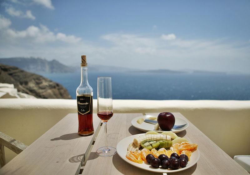 Тюркоазеният остров Санторини – 10 причини да го посетите - 11 - Руал Травел