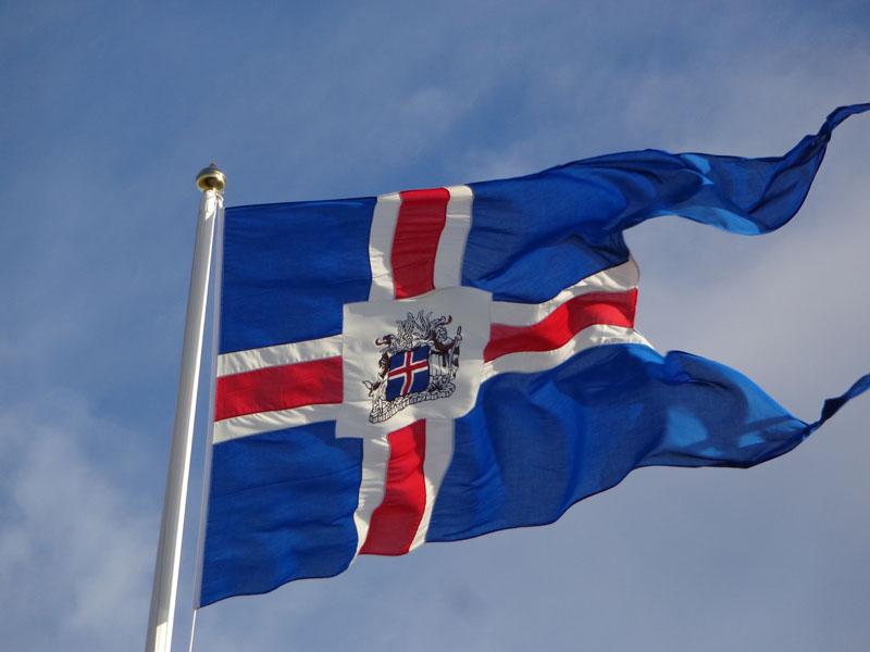 Исландският флаг