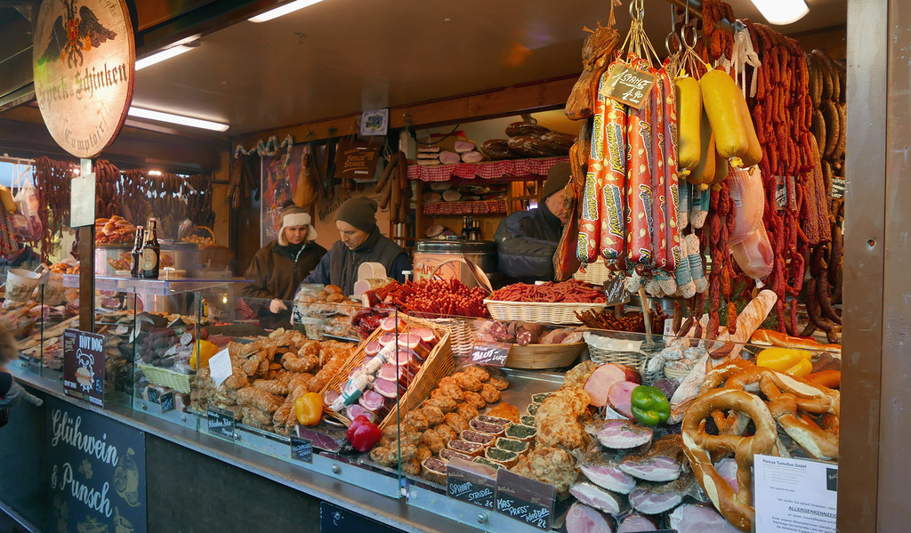 Euriental luxury travel style Vienna Christmas Market_zpsop85bnh4