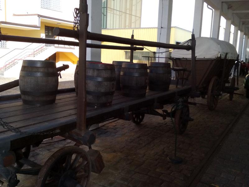 Каруците, с които е превозвана бирата преди 100г.